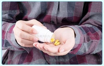 鸡蛋大小的白癜风怎么治